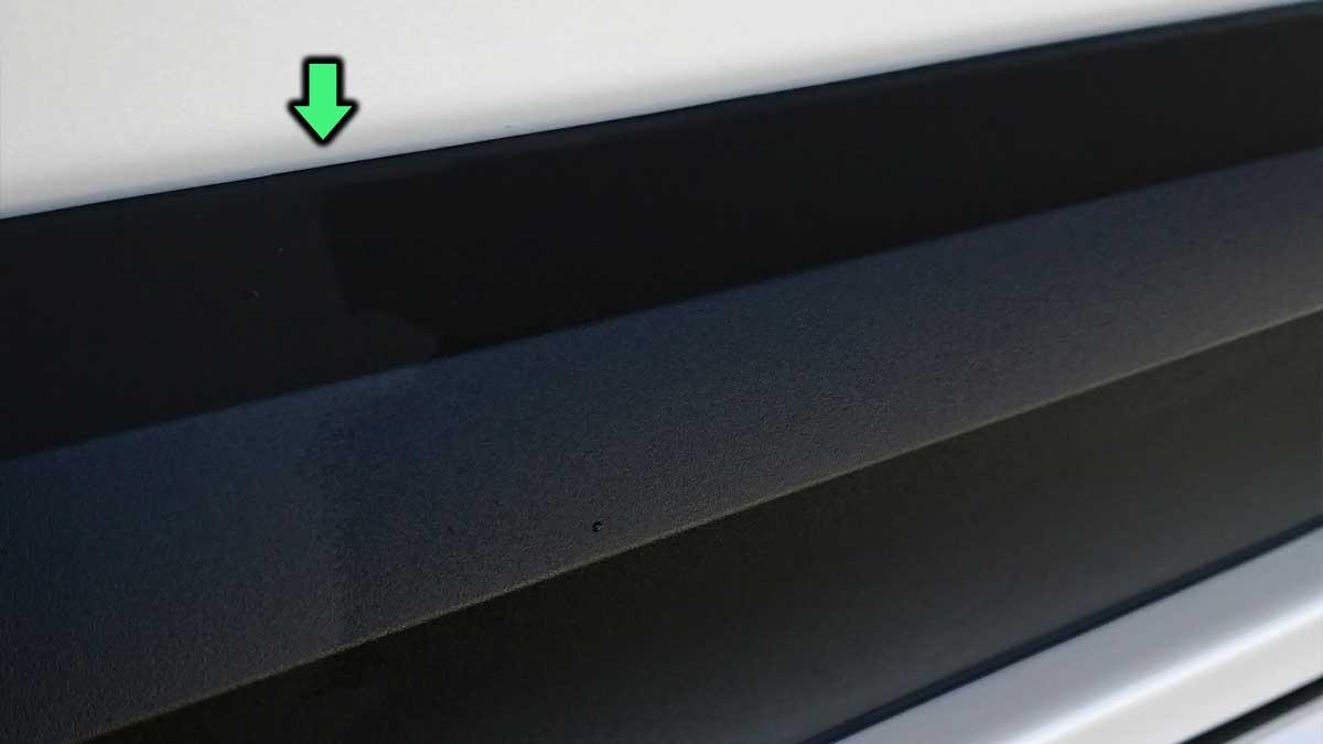 樹脂光沢復活剤の塗り分け