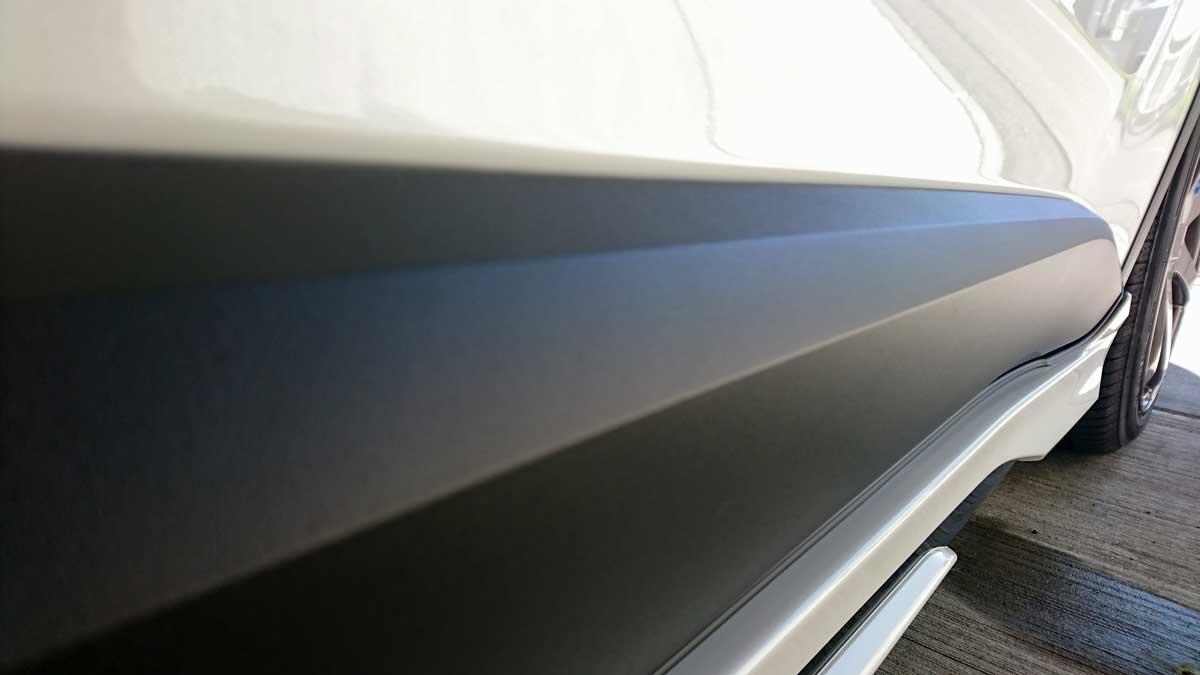 洗車後ボディはゼロウォーター、未塗装樹脂部分はデイトナ 樹脂光沢復活剤を使用