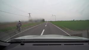 農道をドライブ