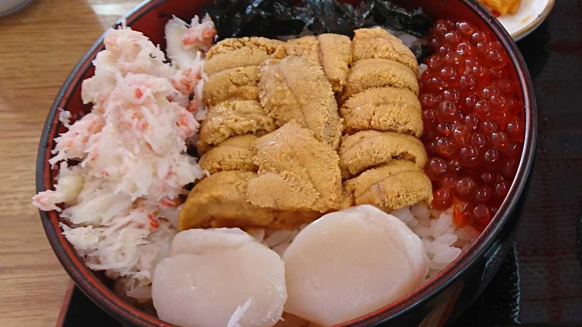 樺太食堂生うに3色丼アップ
