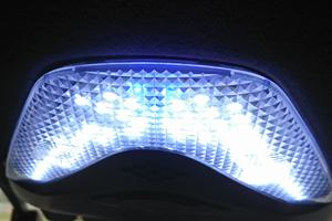 自作LEDルームランプ3日目