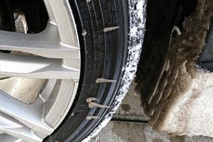タイヤにも着氷